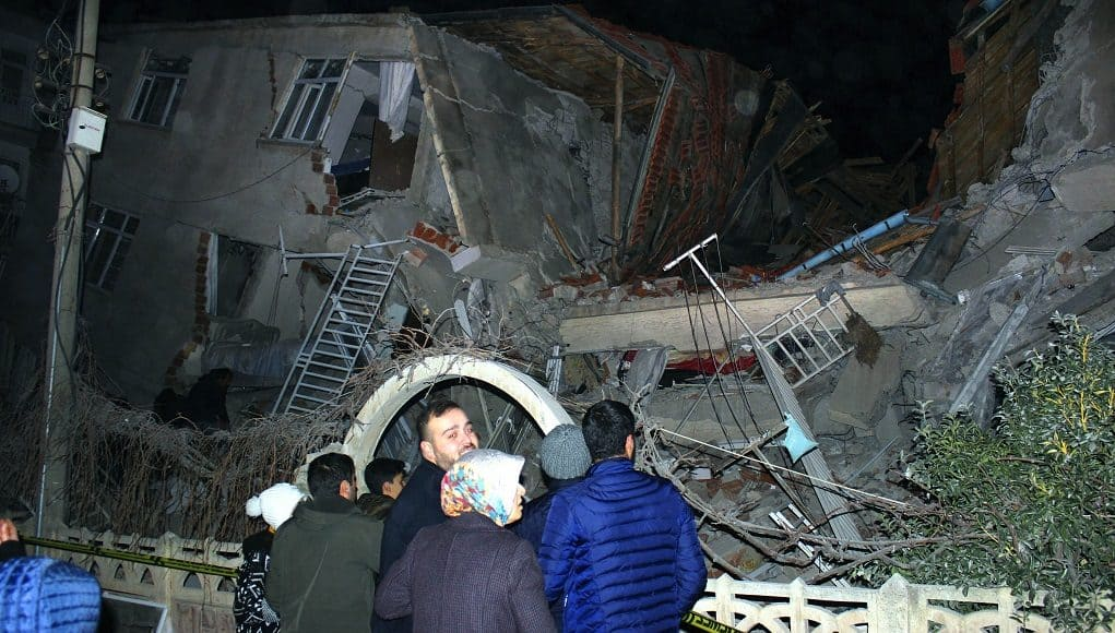 AP turkey earthquake 120 1021x580