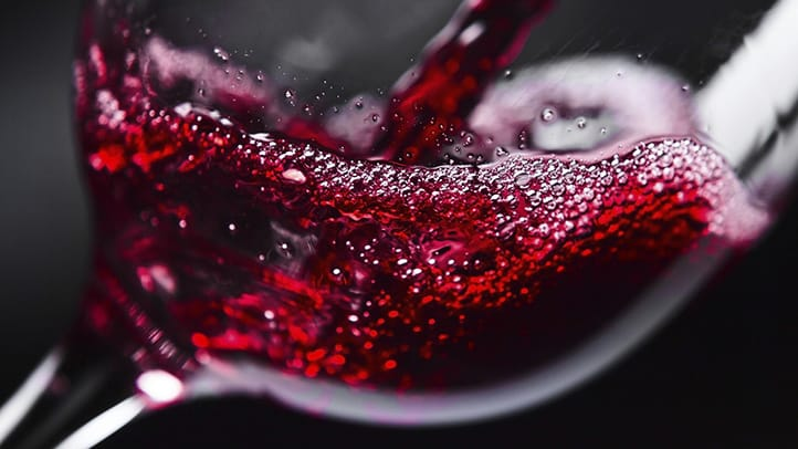 is-red-wine-good-for-seniors-722x406