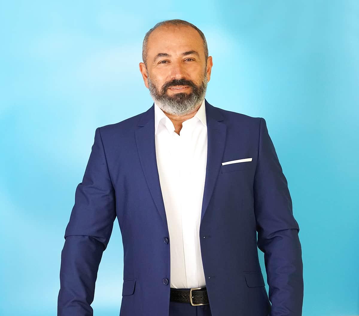 ARGIRIS TSAKNIS